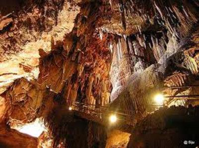 cueva valporquero 1